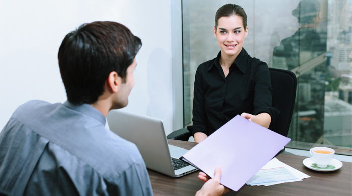 interview women man cv